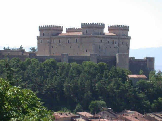 Castello Piccolomini Celano